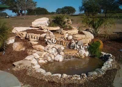 Cascata 9000 pompa professionale per cascate e filtrazione for Immagini di laghetti artificiali